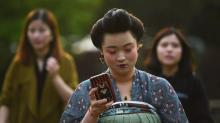 Chinese consumers forecast to spend more time on their phones than watching TV this year