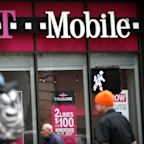 T-Mobile customers report outage, can't make calls or send text messages
