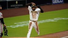 Paddack sprains ankle but streaking Padres stop Giants, 6-1