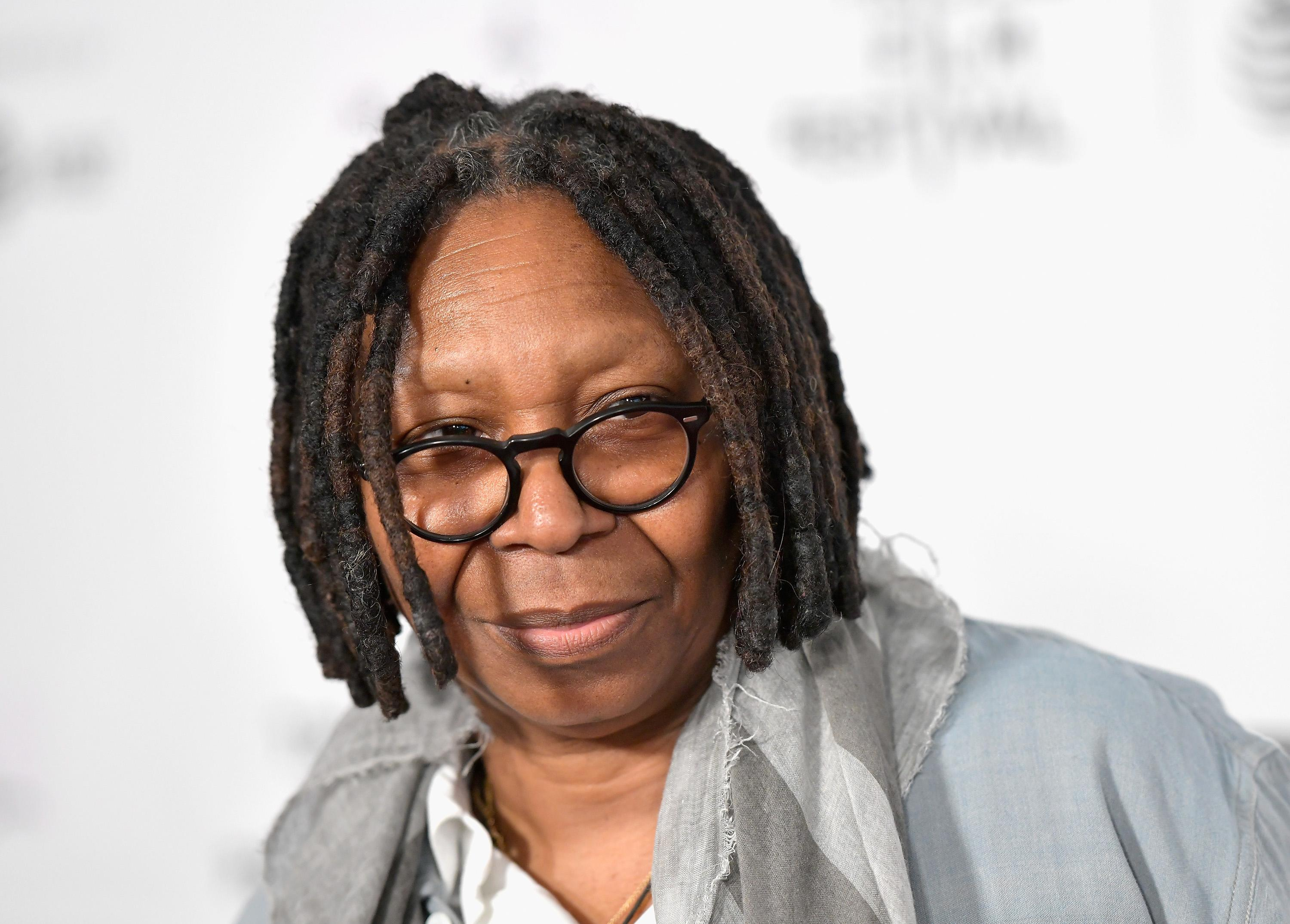 whoopi goldberg had pneumonia in both lungs and was septic