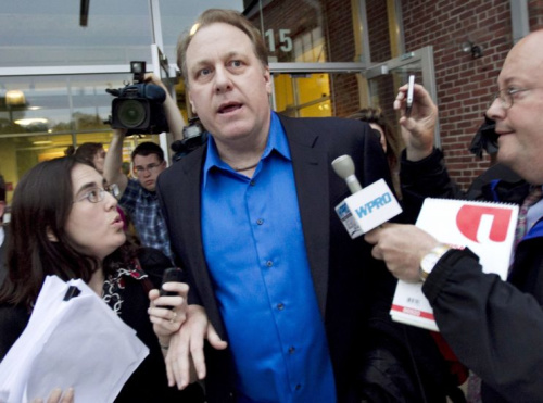 Curt Schilling continues to have thoughts about Adam Jones. (AP Photo)