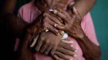 PHOTOS: Venezuela dialysis patients face uncertain fate after power cuts