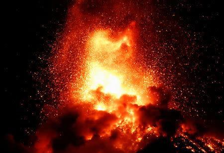 A general view shows Fuego volcano (Volcano of Fire) erupting as seen from San Juan Alotenango, outside of Guatemala City, Guatemala November 19, 2018. REUTERS/Luis Echeverria