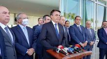 Bolsonaro anuncia que auxílio emergencial passará para R$ 300 e será pago até dezembro