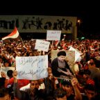 Iraqi protesters urge Baghdad to stay out of U.S.-Iran showdown