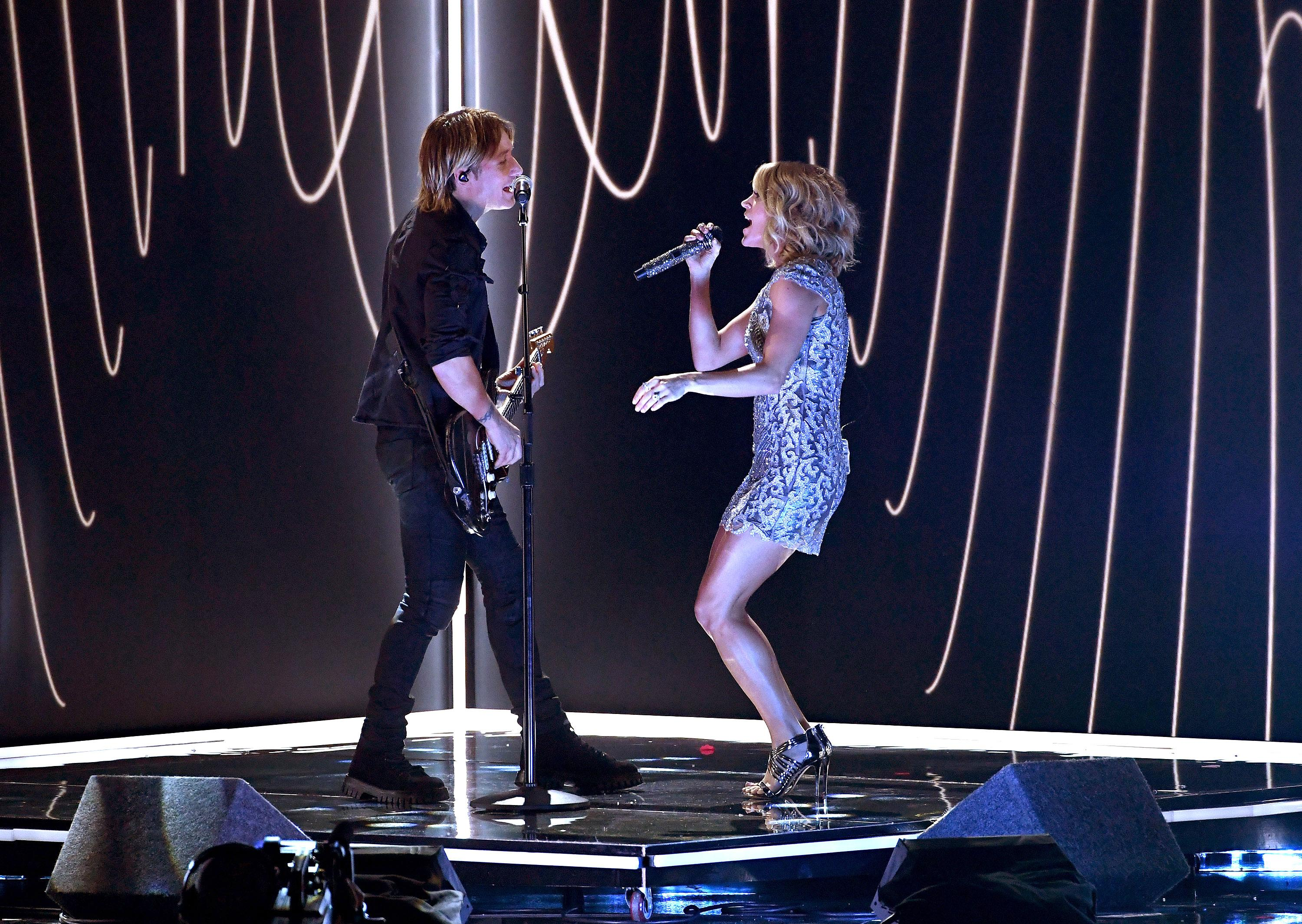 Keith urban and carrie underwood team up for a trippy for Carrie underwood and keith urban duet