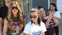 Kourtney y Khloé Kardashian disfrutan juntas de su soltería
