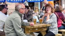 Smoking ban to be extended to pub gardens, parks and terraces?
