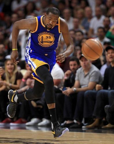 NBA》杜蘭特可踩腳踏車機做復健 歸期仍未定