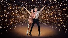 Denise Van Outen manages 'Dancing On Ice' debut despite dislocated shoulder