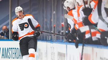 Flyers return with a bang, take down Bruins