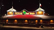 Texas Roadhouse Sees Sales Sizzle