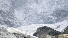 """Allerta ghiacciaio sul Monte Bianco, esperto: """"rischio crollo"""""""