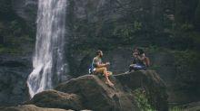 Des Instagrammeurs risquent leur vie pour prendre la photo parfaite sous ces chutes