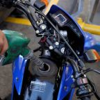 Oil prices rise, but global economic concerns weigh