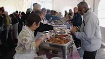 Church serves early Thanksgiving feast to families