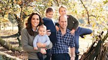 Cambridges dress down for 2018 royal family Christmas card