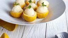 Solo necesitas 3 ingredientes para preparar un rico limón helado