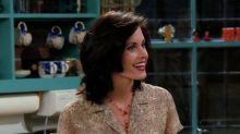 Courteney Cox enternece a los fans de Friends enseñando una de las frases de Monica Geller a una niña