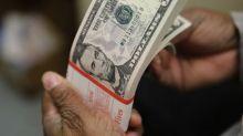 Após subir quase 1% na véspera, dólar cai e vai abaixo de R$3,90