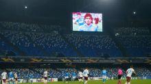 Napoli gana por Europa League en un emotivo primer partido tras muerte de Maradona