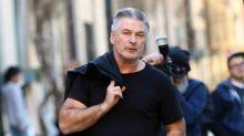 Alec Baldwin tendrá que acudir a clases para el control de la ira tras su supuesta agresión a un fotógrafo