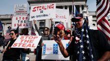 """Élections américaines : """"Stop the Steal"""", l'opération éclair sur Facebook des pro-Trump contre Biden"""