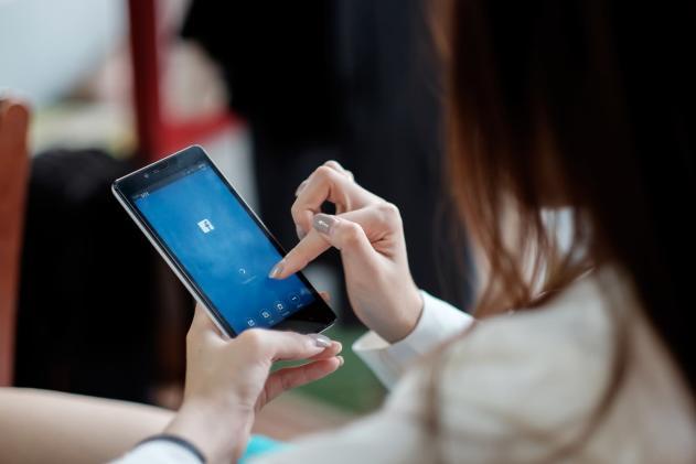 Zuckerberg apologizes for Facebook's response to Myanmar conflict