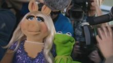 Kermit and Miss Piggy Share a Pre-Emmys Lunch, Get Interrupted by Celebs