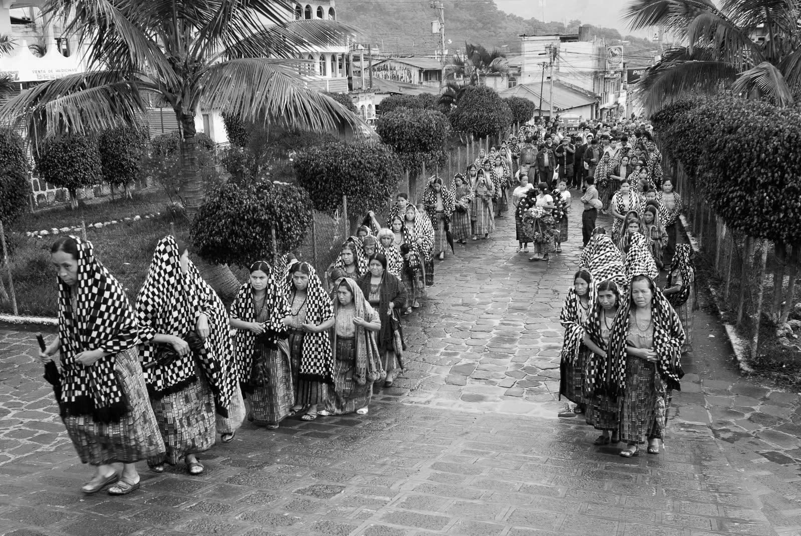 <p>Funeral procession, San Pedro, Guatemala. (Photograph by Fran Antmann) </p>