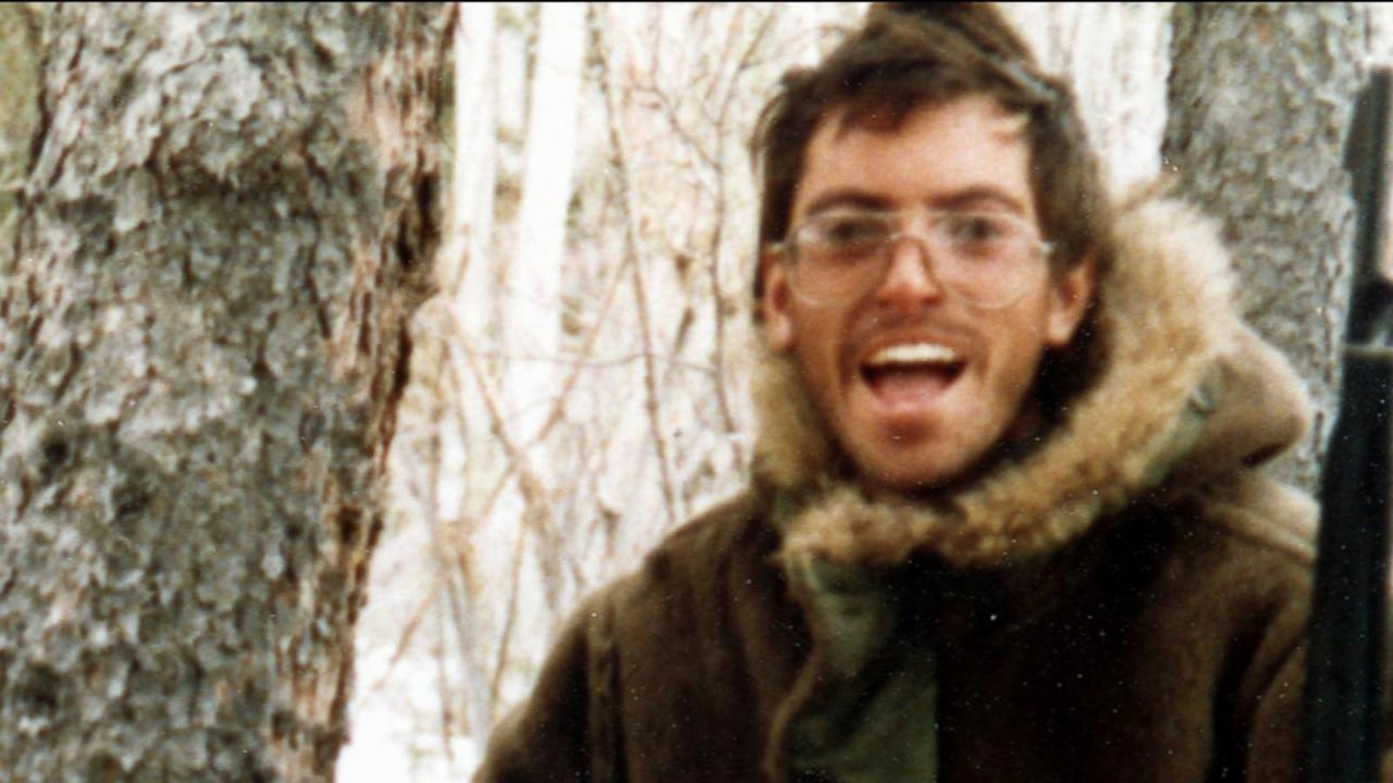 the character of chris mccandless in the story into the wild Emily usinger english 150 hd 12/2/10 tragic hero christopher mccandless, the main character of the film into the wild by jon krakauer, contains numerous.