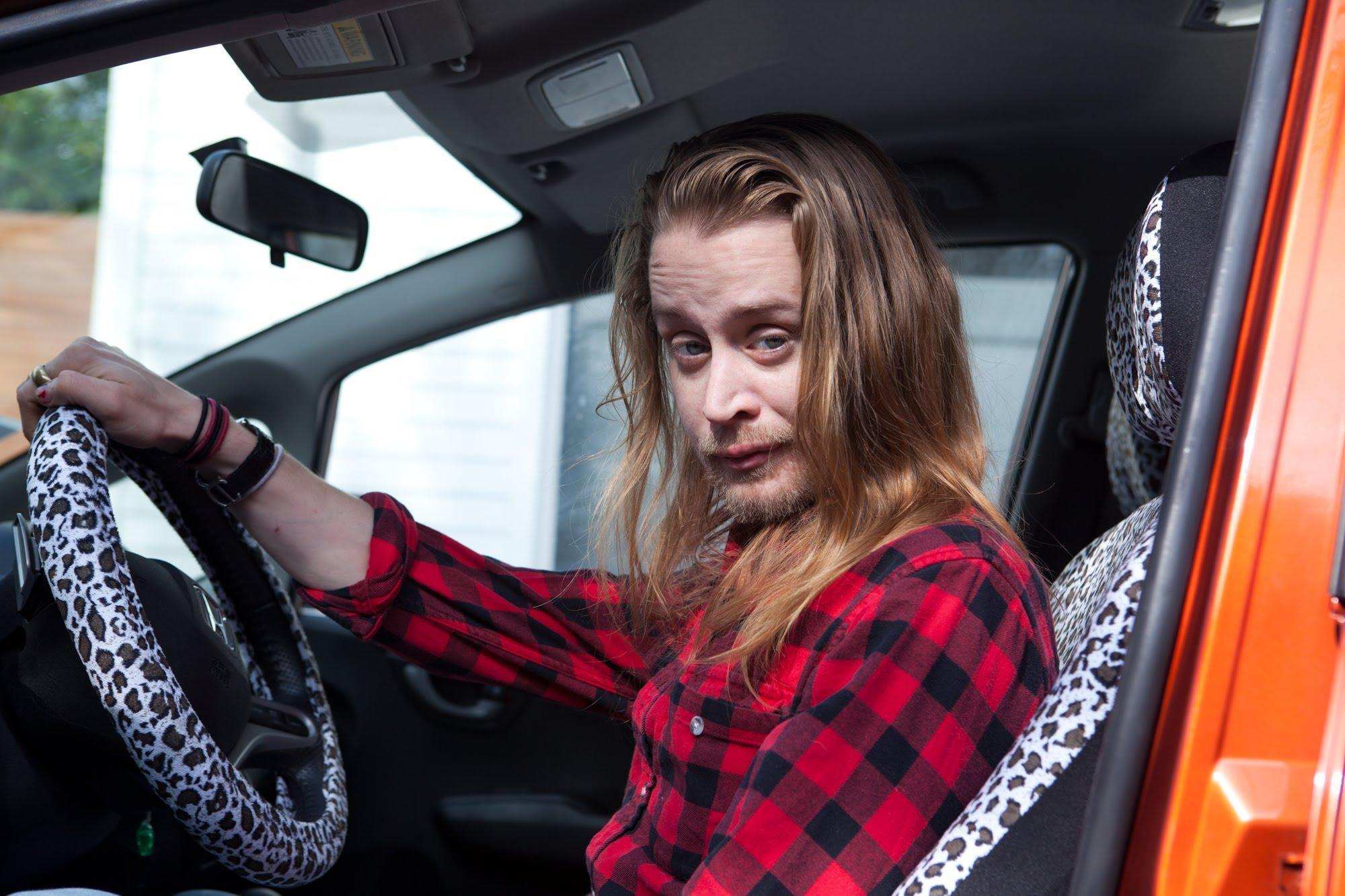 Macaulay Culkin Re Lives His Home Alone Trauma In New Video Short