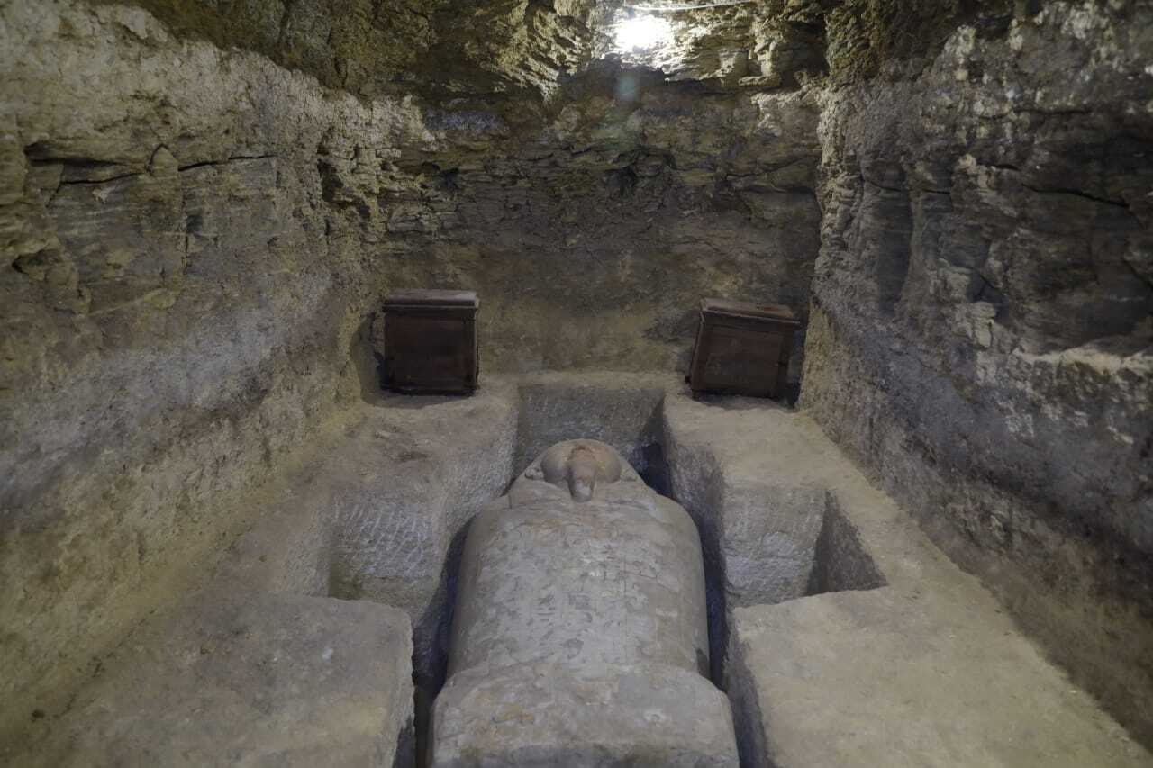 20 sarcophagi in 16 tombs found at archaeological site in Egypt