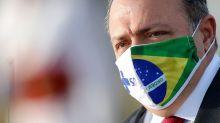 Em meio a crise entre militares e STF, Bolsonaro diz que Pazuello é 'predestinado'