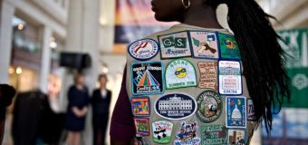 Girl Scouts warn parents against holiday hugs