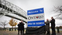 'Piece of junk' to praise: Doug Ford's new Ontario signs have Canadians divided