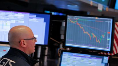 Stocks falter following Fed minutes
