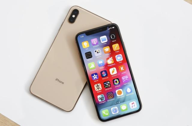 iPhone Xs and Xs Max hands-on: The new normal