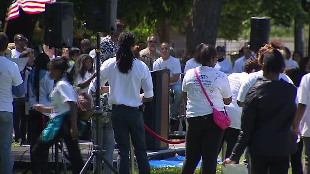 Hundreds Of Students March Against Gang Violence In Chicago