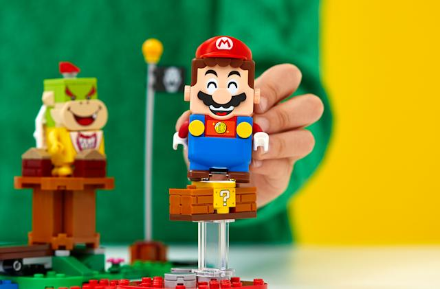 Someone turned Lego Mario into a controller for 'Super Mario Bros.'