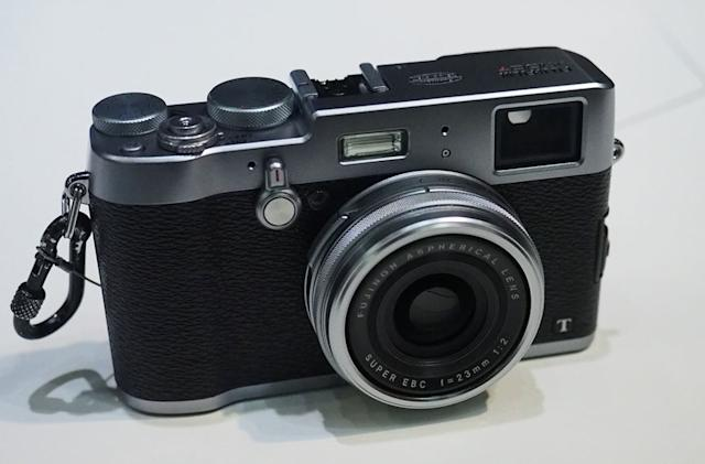 Fujifilm's hybrid viewfinder makes the X100T compact camera even better
