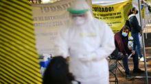 México acumula casi 868,000 casos de coronavirus, gobiernos locales refuerzan medidas por posibles rebrotes