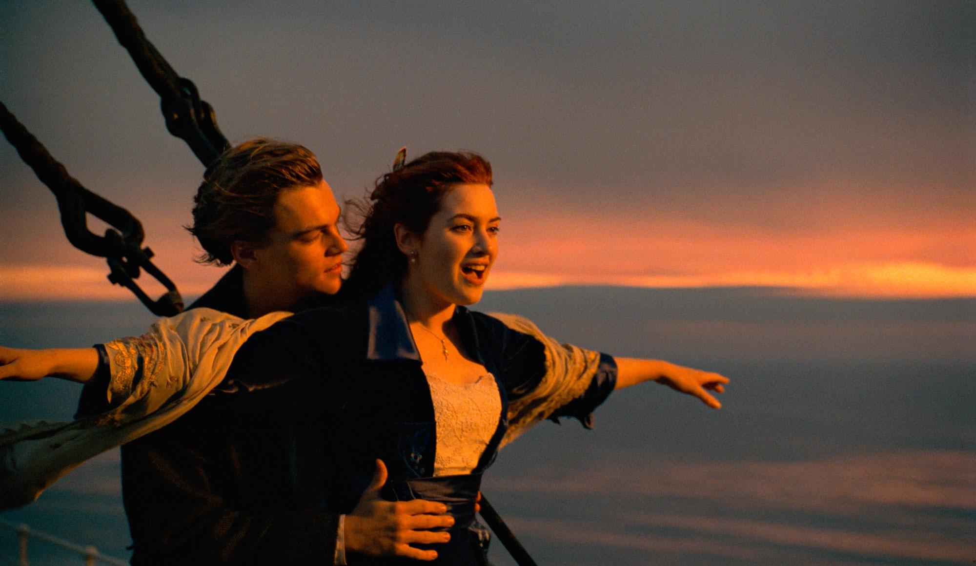 comparing the similarities and differences between the movies titanic and romeo and juliet