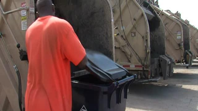 City Leaders Evaluate Refuse Services