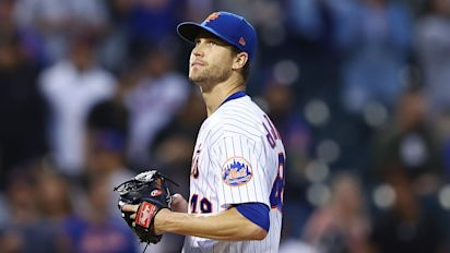 Mets' deGrom leaves game with injury concern
