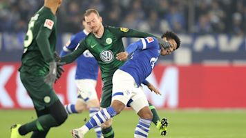 Schalke edges Wolfsburg in battle of USMNT stars