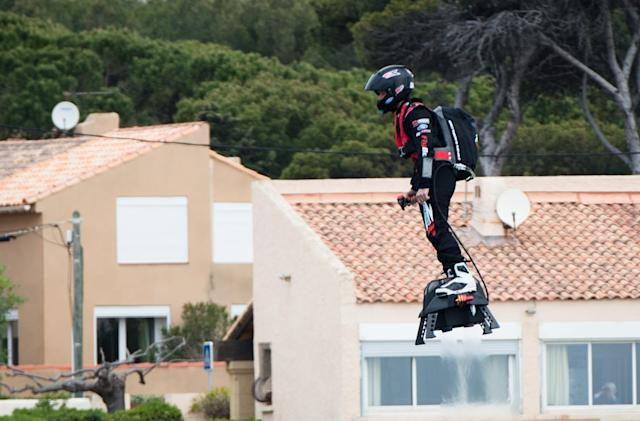 Jet-powered hoverboard shatters world record