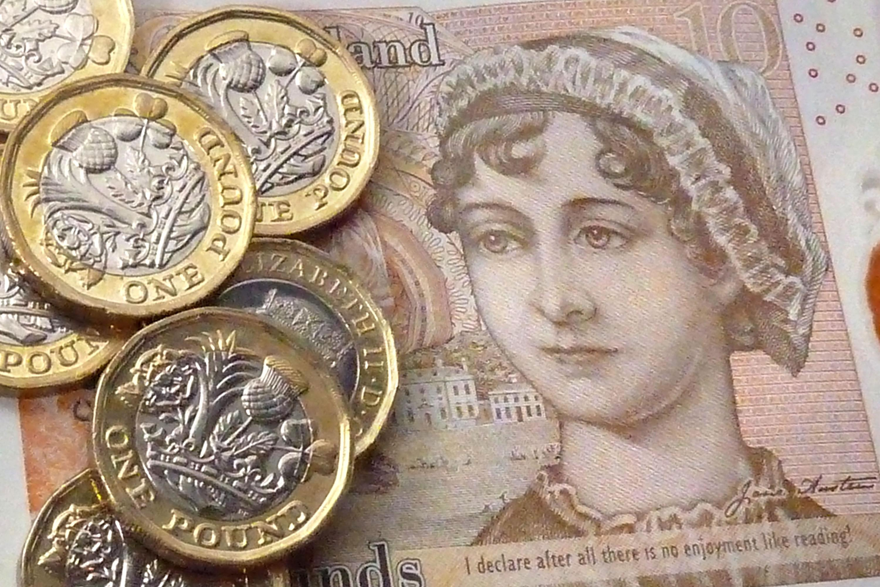 Pound rises on hopes of UK escaping recession