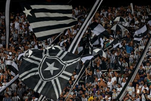 Estádio Nilton Santos resistiu a apagão no entorno durante a partida