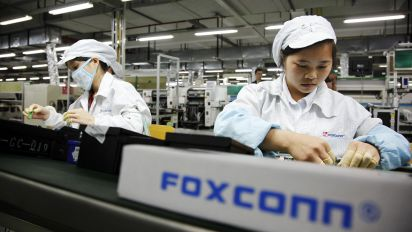 Foxconn exec urges Chinese firms to invest in US